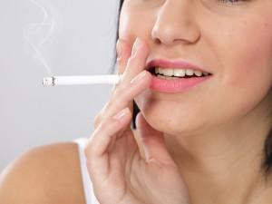 Tabaco y dientes ¿cómo afecta a la salud bucodental?