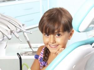 ¿Cuándo tienen que empezar los niños a lavarse los dientes?