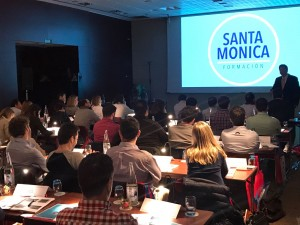 El Dr. González en el Curso de Cirugía Avanzada en Implantología de Santa Monica Formación