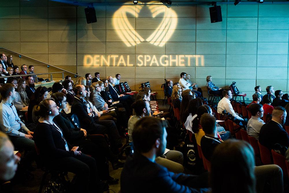 Conferencia del Dr. David González en el prestigioso congreso Dental Spaghetti que se celebra anualmente en Cracovia, Polonia. 10 de marzo de 2018. 7